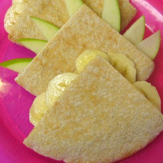 Peanut Butter Fruit Pitas