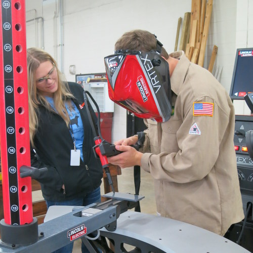 Virtual welding class at Sealy ISD